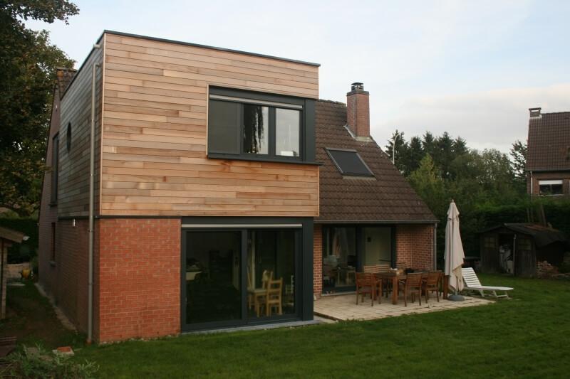 Une extension en bois sur 2 tages for Agrandir sa maison prix