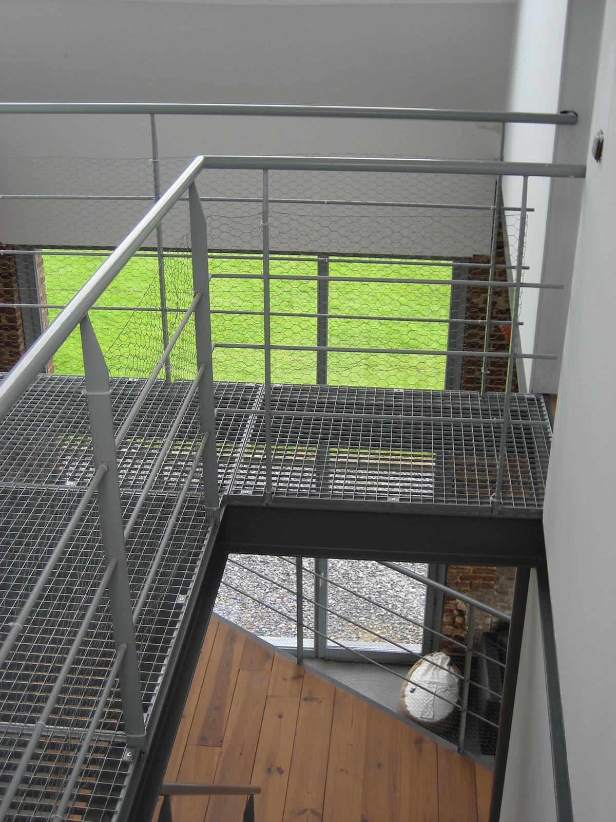 Rénovation d\'une grange en un loft alliant modernité et vieilles pierres